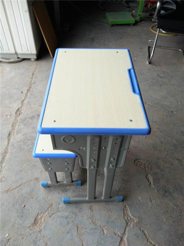 课桌椅供应商